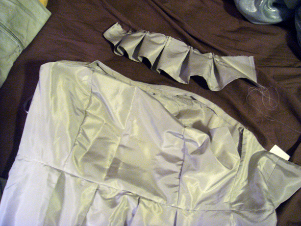 Here you can see that I left the top seam open so that I can sew the first ruffle in.