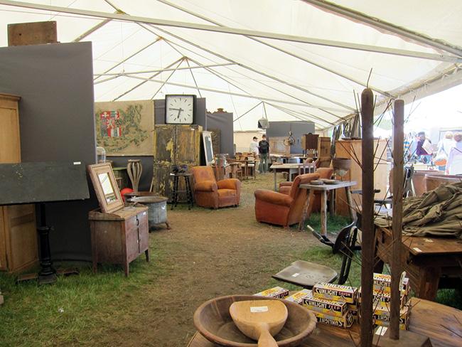 The Brimfield Antique Show - << joeandcheryl.com >>