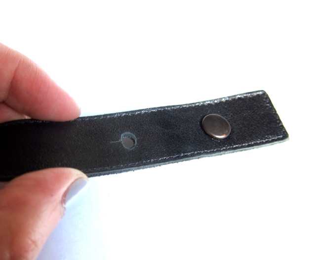 DIY - Easy Fix for Those Loose Ends on Belts and Buckles - << joeandcheryl.com >>