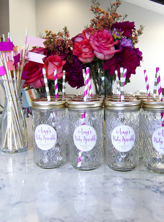 DIY Ball Jar Party Favors with Daisy Lids! Great for serving drinks while entertaining - >> joeandcheryl.com <<
